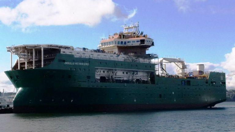 Entrega de la campana de señales del flotel ORGULLO PETROLERO